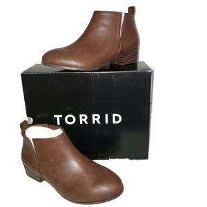 Torrid BROWN V-CUT ANKLE BOOTIES sz  8.5W
